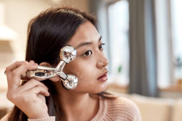массаж для упругости кожи лица